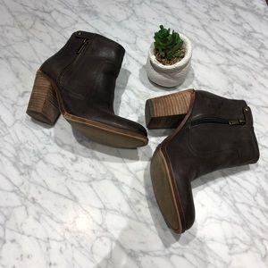 {Lucky Brand} Booties (Dark Brown)